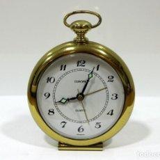 Despertadores antiguos: RELOJ DESPERTADOR EUROPA QUARTZ. BRONCE. GERMANY. RARO. FUNCIONANDO.. Lote 256135505