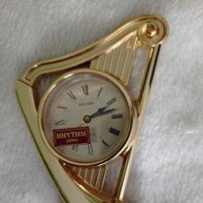 Despertadores antiguos: RELOJ - DESPERTADOR RHYTHEM JAPAN, MODELO ARPA, FUNCIONANDO, PILA INCLUIDA.. Lote 257325370