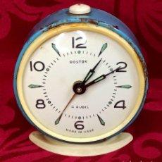 Despertadores antiguos: DESPERTADOR VINTAGE - AÑOS 50 - MARCA ROSTOV - MADE IN USSR URSS - FUNCIONA - 90 MM ESFERA. Lote 261266235