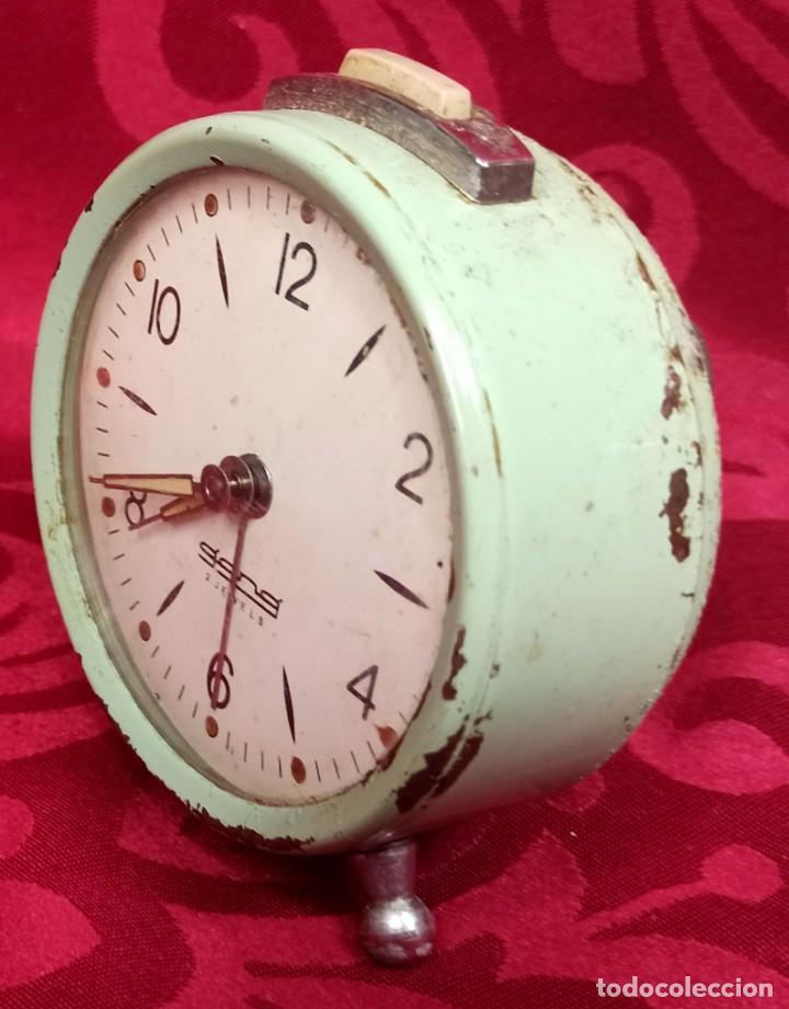 Despertadores antiguos: Despertador vintage - Años 60 - MARCA GANG - 80 mm esfera - NO Funciona. - Foto 2 - 261822750
