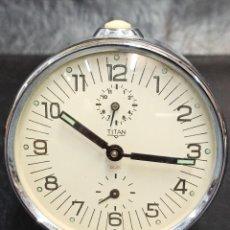 Despertadores antiguos: RELOJ DESPERTADOR TITÁN RUBÍ. C55. Lote 262844200