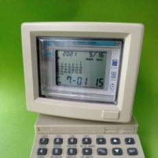 Despertadores antiguos: CURIOSO RELOJ DESPERTADOR EN FORMA DE ORDENADOR. Lote 263178215
