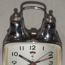 Despertadores antiguos: ANTIGUO RELOJ-DESPERTADOR DE CAMPANA POLARIS. CUERDA. AÑOS 70. Lote 263654410
