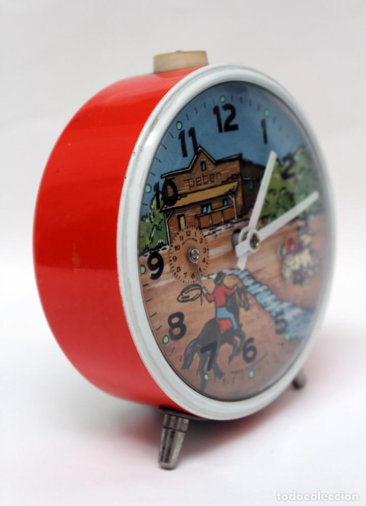 Despertadores antiguos: Reloj despertador PETER. AÑOS 60 -Made in Germany. El Caballo pequeño se mueve.... - Foto 4 - 264326600