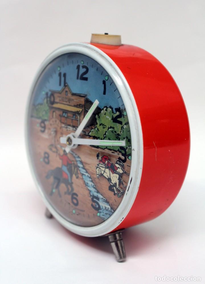 Despertadores antiguos: Reloj despertador PETER. AÑOS 60 -Made in Germany. El Caballo pequeño se mueve.... - Foto 5 - 264326600