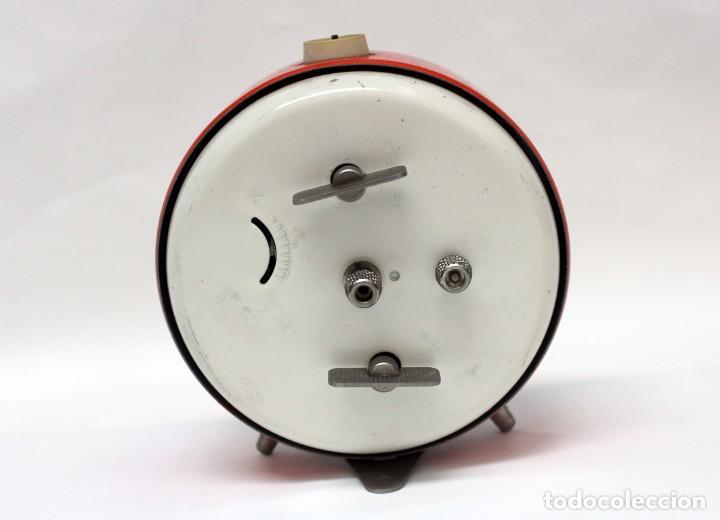 Despertadores antiguos: Reloj despertador PETER. AÑOS 60 -Made in Germany. El Caballo pequeño se mueve.... - Foto 7 - 264326600