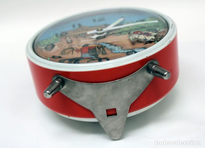Despertadores antiguos: Reloj despertador PETER. AÑOS 60 -Made in Germany. El Caballo pequeño se mueve.... - Foto 8 - 264326600