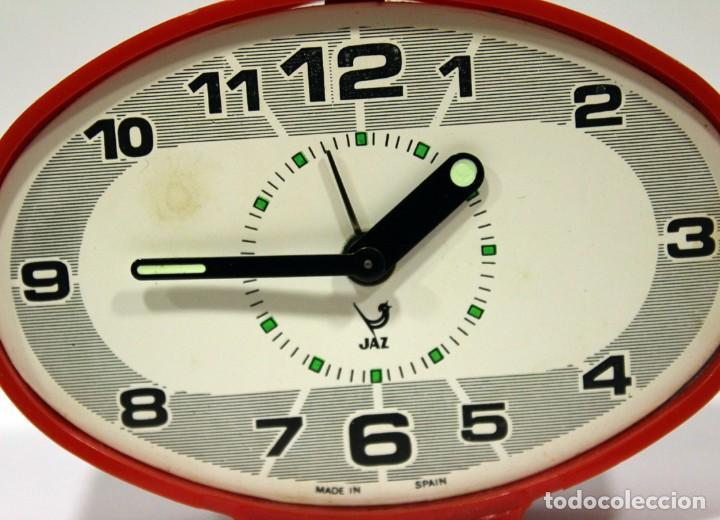 Despertadores antiguos: Reloj despertador JAZ - Ovalado. Made in Spain. - Foto 2 - 265453214