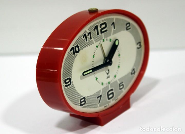 Despertadores antiguos: Reloj despertador JAZ - Ovalado. Made in Spain. - Foto 3 - 265453214