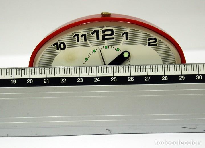 Despertadores antiguos: Reloj despertador JAZ - Ovalado. Made in Spain. - Foto 8 - 265453214