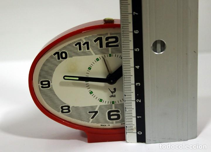 Despertadores antiguos: Reloj despertador JAZ - Ovalado. Made in Spain. - Foto 9 - 265453214