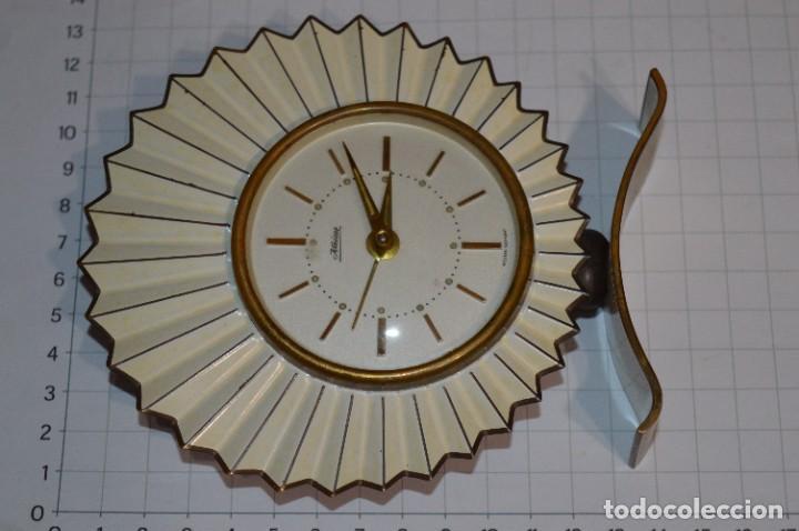 Despertadores antiguos: ART DECÓ / Vintage - RELOJ despertador - KAISER / Made In Germany / Carga manual - ¡Mira, precioso! - Foto 4 - 267671779
