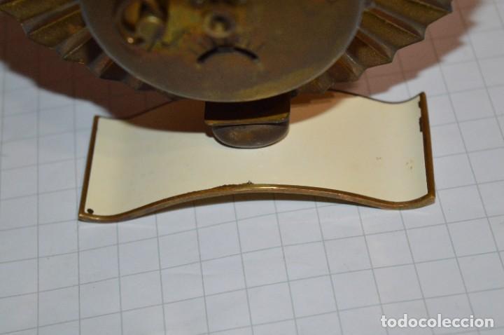 Despertadores antiguos: ART DECÓ / Vintage - RELOJ despertador - KAISER / Made In Germany / Carga manual - ¡Mira, precioso! - Foto 9 - 267671779