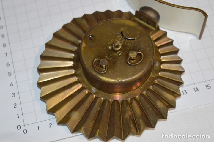 Despertadores antiguos: ART DECÓ / Vintage - RELOJ despertador - KAISER / Made In Germany / Carga manual - ¡Mira, precioso! - Foto 10 - 267671779