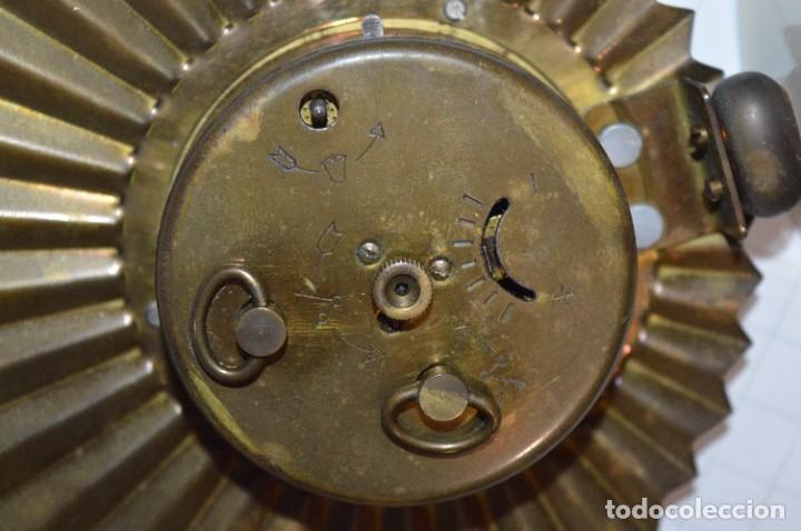Despertadores antiguos: ART DECÓ / Vintage - RELOJ despertador - KAISER / Made In Germany / Carga manual - ¡Mira, precioso! - Foto 12 - 267671779
