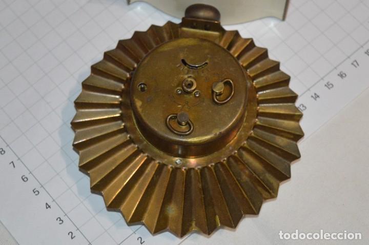 Despertadores antiguos: ART DECÓ / Vintage - RELOJ despertador - KAISER / Made In Germany / Carga manual - ¡Mira, precioso! - Foto 13 - 267671779