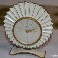 Despertadores antiguos: ART DECÓ / VINTAGE - RELOJ DESPERTADOR - KAISER / MADE IN GERMANY / CARGA MANUAL - ¡MIRA, PRECIOSO!. Lote 267671779