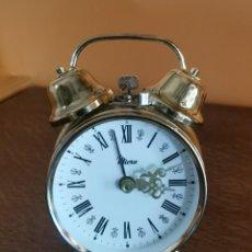 Despertadores antiguos: VINTAGE RELOJ DESPERTADOR A CUERDA SOBREMESA MARCA MICRO PRINCIPIOS AÑOS 70. Lote 269837243
