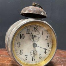 Despertadores antiguos: RELOJ DESPERTADOR DE SOBREMESA DE 17 CM JUNAHANS. Lote 271035343