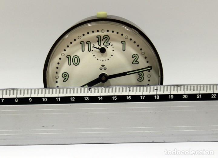 Despertadores antiguos: Reloj despertador PETER. Made in Germany. - Foto 7 - 275103303
