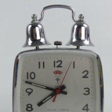 Despertadores antigos: VINTAGE RELOJ DESPERTADOR A CUERDA CON CAMPANAS POLARIS CHINA. Lote 275519908