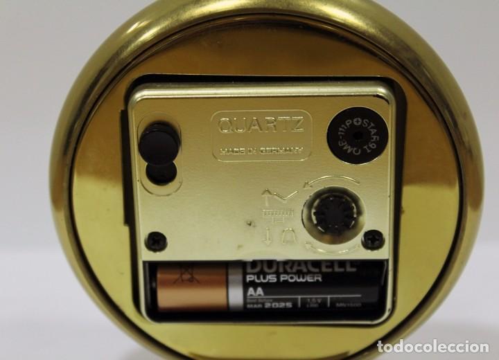 Despertadores antiguos: Reloj despertador EUROPA QUARTZ. BRONCE. GERMANY. RARO. FUNCIONANDO. - Foto 7 - 276620188
