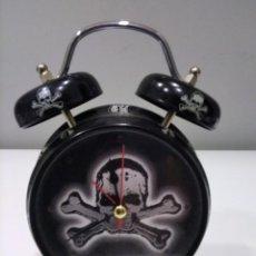 Despertadores antiguos: RELOJ DESPERTADOR CALAVERA.. Lote 277020723
