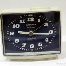 Despertadores antiguos: RELOJ DESPERTADOR RADIANT EURO - VOX ELECTRONIC . FUNCIONANDO. MADE IN GERMANY. MUY BONITO. FUNCIONA. Lote 283784983