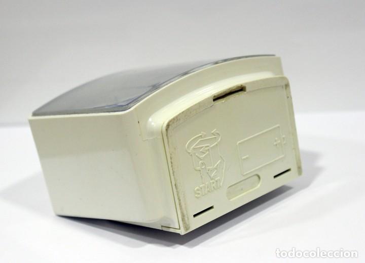 Despertadores antiguos: Reloj despertador RADIANT EURO - VOX ELECTRONIC . FUNCIONANDO. MADE IN GERMANY. MUY BONITO. FUNCIONA - Foto 5 - 283784983