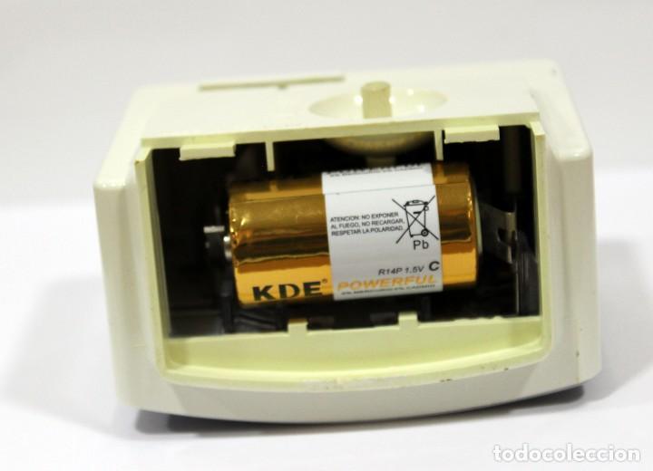 Despertadores antiguos: Reloj despertador RADIANT EURO - VOX ELECTRONIC . FUNCIONANDO. MADE IN GERMANY. MUY BONITO. FUNCIONA - Foto 7 - 283784983