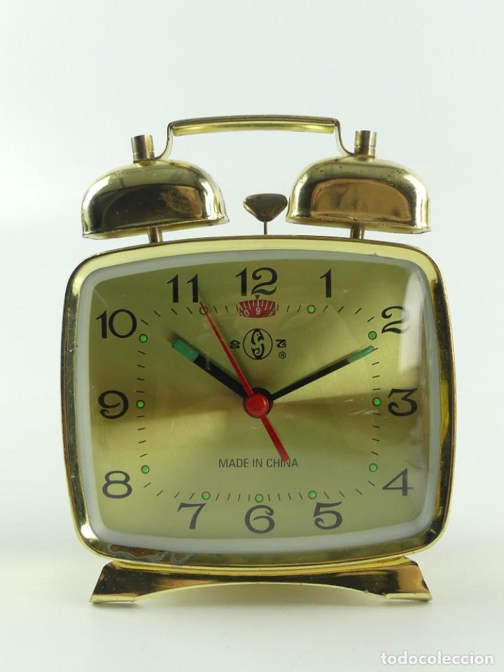 ANTIGUO RELOJ DESPERTADOR A CUERDA CUADRADO CON CAMPANITAS (Relojes - Relojes Despertadores)