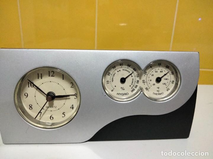 RELOJ DESPERTADOR , MEDIDOR DE TEMPERATURA Y HUMEDAD (Relojes - Relojes Despertadores)