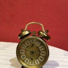 Despertadores antigos: RELOJ DESPERTADOR ANTIGUA DE CUERDA MARCA PETER. Lote 290648168