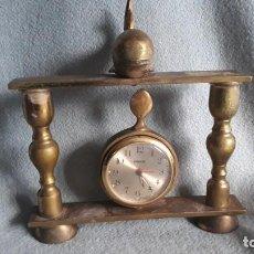 Despertadores antiguos: RELOJ DESPERTADOR EQUITY,CON FIGURA DE DELFIN. Lote 293819123