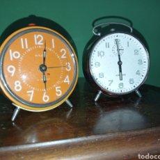 Despertadores antiguos: DOS ANTIGUOS RELOJES DESPERTADORES, VITJAZ Y JUNGHAS. Lote 294863458
