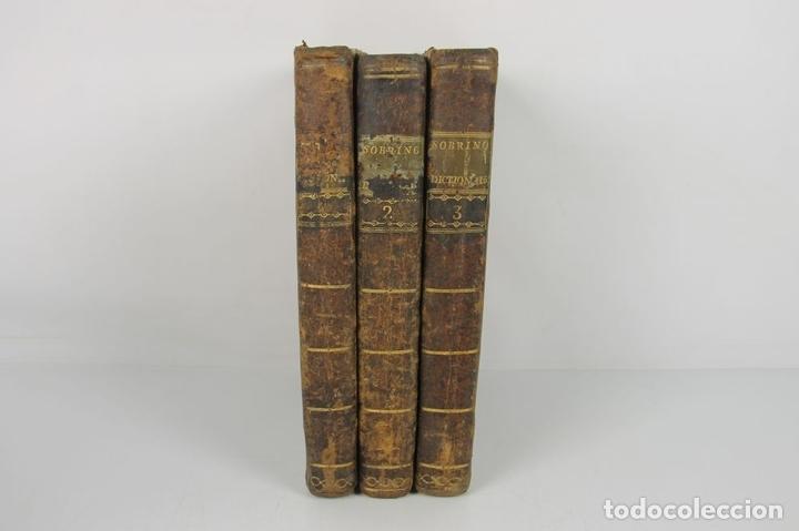 Diccionarios antiguos: 4888- SOBRINO AUMENTADO O NUEVO DICCIONARIO. FRANCISCO CORMON. EDIT. PIESTRE 1789. 3 VOL. - Foto 4 - 43907331