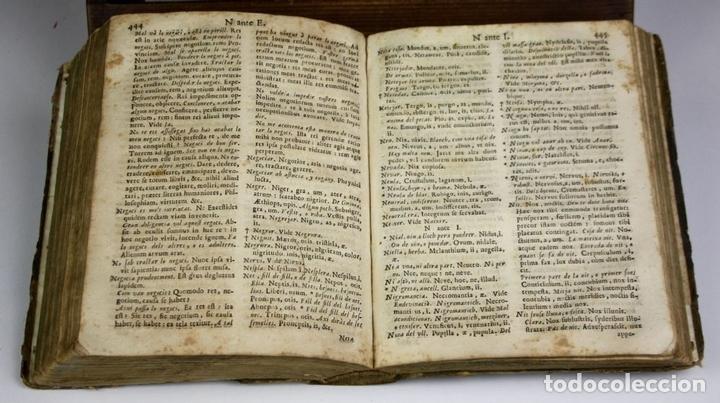 Diccionarios antiguos: 8173 - DICTIONARIUM SEU THESAURUS CATALANO-LATINUS. PETRO TORRA. EDIT. RAPHAELIS FIGUERÓ. 1710? - Foto 3 - 66741226