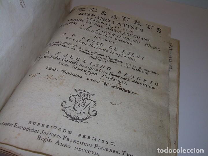 LIBRO TAPAS DE PERGAMINO...THESAURUS HISPANO - LATINUS..AÑO 1.807...V.REQUEJO. (Libros Antiguos, Raros y Curiosos - Diccionarios)