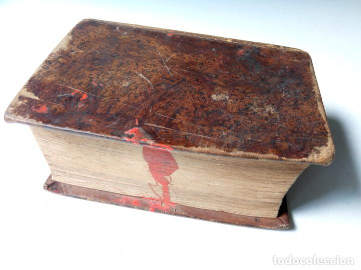 ANTIGUO DICCIONARIO ESPAÑOL LATIN, LABERNIA Y ESTELLER. (Libros Antiguos, Raros y Curiosos - Diccionarios)