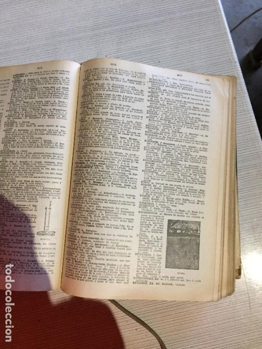Diccionarios antiguos: Antiguo diccionario enciclopèdico manual de 5 idiomas Pal·las año 1926 - Foto 8 - 233450430