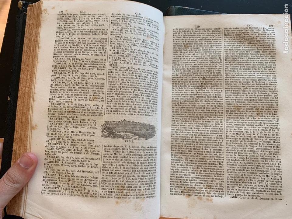 Diccionarios antiguos: Diccionario geográfico universal pintoresco de los cinco partes del mundo - Foto 3 - 248423225