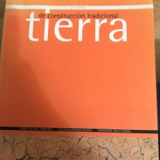 Diccionarios: TIERRA DE CONSTRUCCIÓN TRADICIONAL DICCIONARIO EDITA NEREA. Lote 194618122