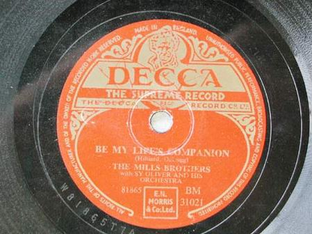 THE MILLS BROTHERS WITH SY OLIVER AND HIS ORCHESTRA ( BE MY LIFE'S COMPANION - LOVE LIES ) (Música - Discos - Pizarra - Jazz, Blues, R&B, Soul y Gospel)
