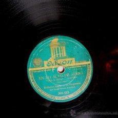Discos de pizarra: DISCO 78 RPM PIZARRA. ROBERTO INGLEZ Y ORQUESTA - EN LO ALTO DE LA SIERRA (BOLERO LECUONA). TAP, TAP. Lote 38455477