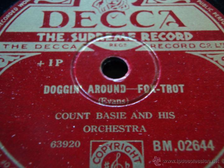 COUNT BASIE & HIS ORCHESTRA ( DOGGIN' AROUND - BLUE AND SENTIMENTAL ) ENGLAND DECCA (Música - Discos - Pizarra - Jazz, Blues, R&B, Soul y Gospel)