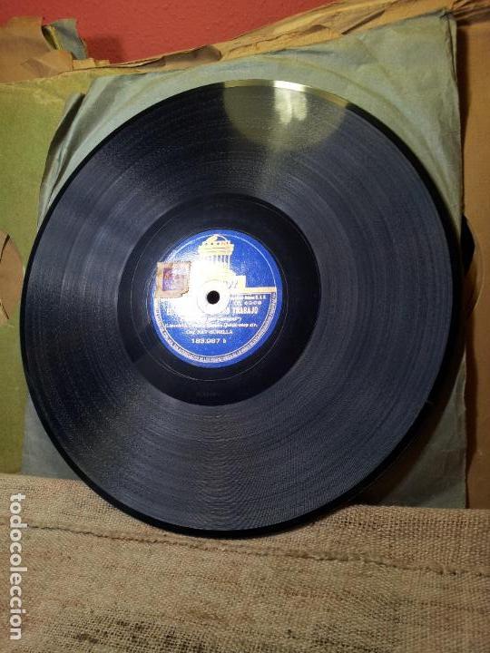 Discos de pizarra: ORQUESTA GONELLA--EL RITMO ES NUESTRO TRABAJO Y FOXTROT PELICULA CHICO MILLONARIO..UN POCO DE MUSICA - Foto 3 - 68592381