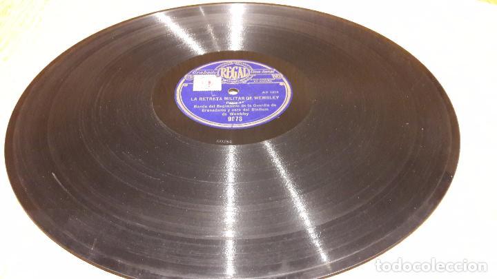 PIZARRA !! LA RETRETA MILITAR DE WEMBLEY. BANDA DEL REGIMIENTO DE LA GUARDIA DE GRANADEROS. 30 CM. (Música - Discos - Pizarra - Otros estilos)