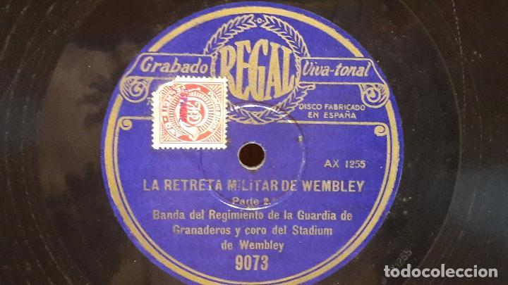 Discos de pizarra: PIZARRA !! LA RETRETA MILITAR DE WEMBLEY. BANDA DEL REGIMIENTO DE LA GUARDIA DE GRANADEROS. 30 CM. - Foto 2 - 70106505