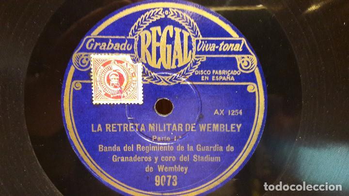 Discos de pizarra: PIZARRA !! LA RETRETA MILITAR DE WEMBLEY. BANDA DEL REGIMIENTO DE LA GUARDIA DE GRANADEROS. 30 CM. - Foto 3 - 70106505