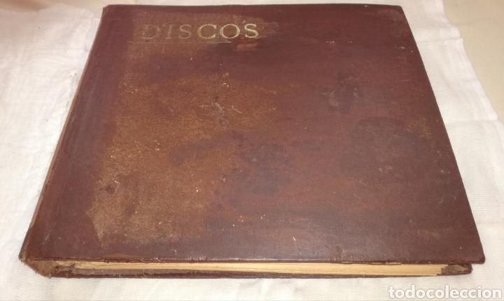 ANTIGUO ALBUM CON DOCE DISCOS GRAMOLA. (Música - Discos - Pizarra - Otros estilos)